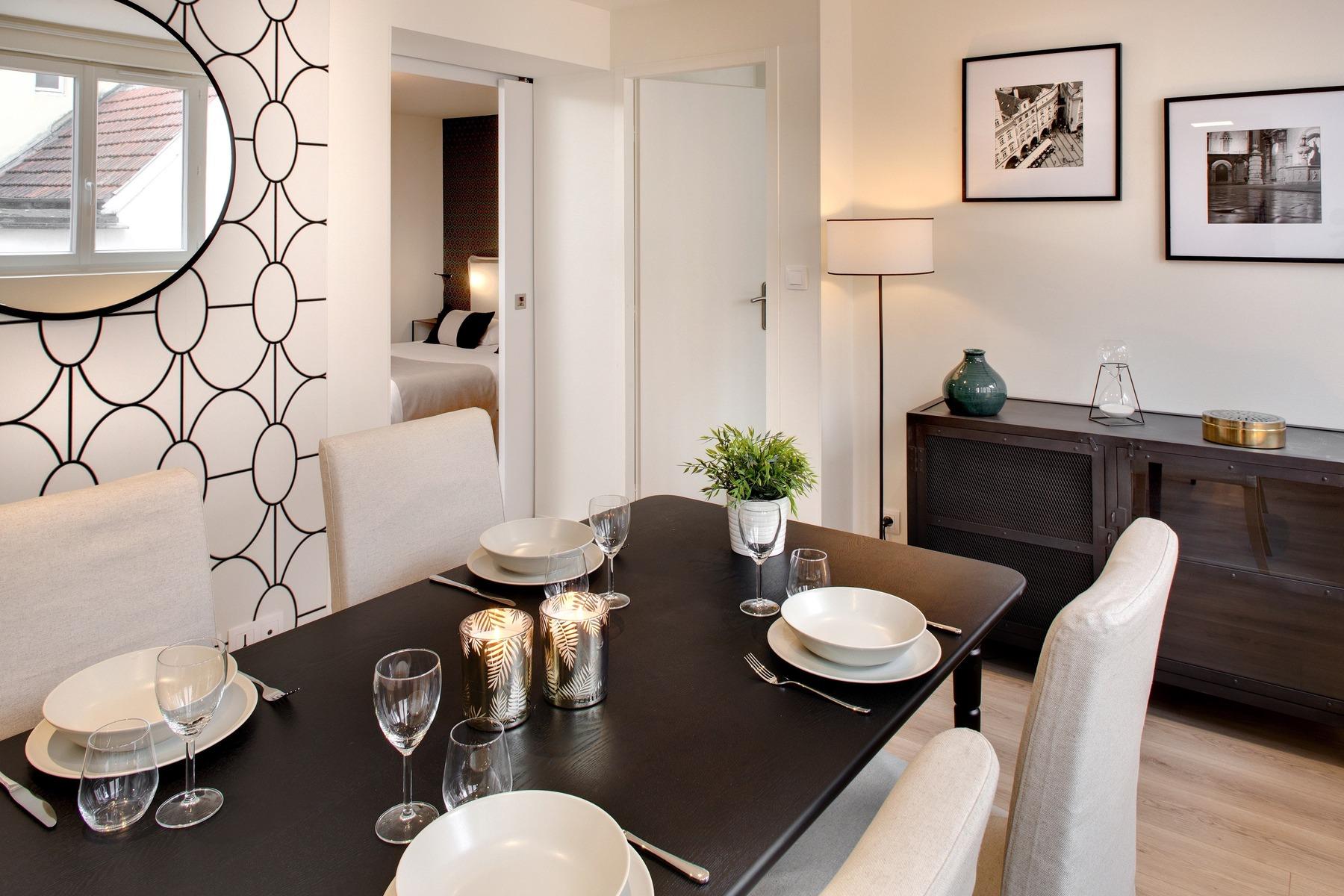 architecte d int rieur perpignan des 2 mains. Black Bedroom Furniture Sets. Home Design Ideas
